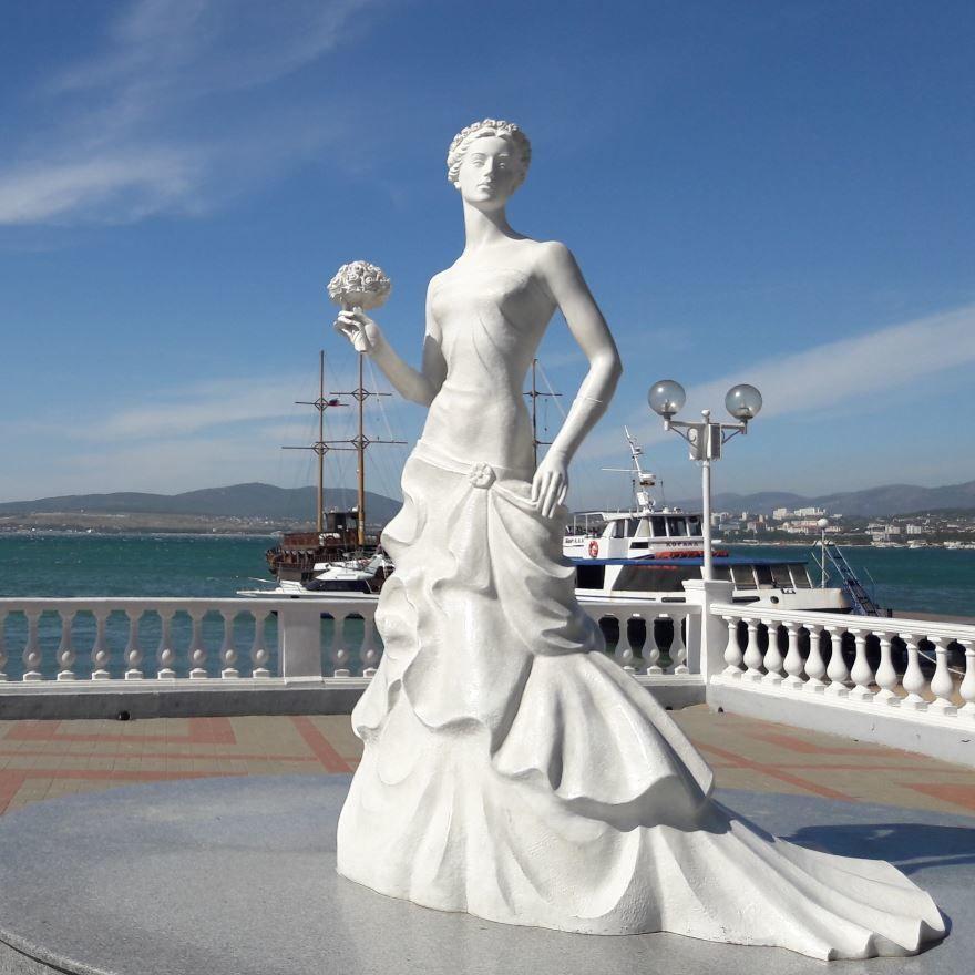 Белая невесточка город Геледжик 2018