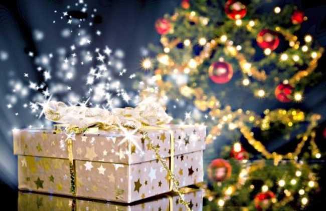 Какого числа кладут подарки под елку