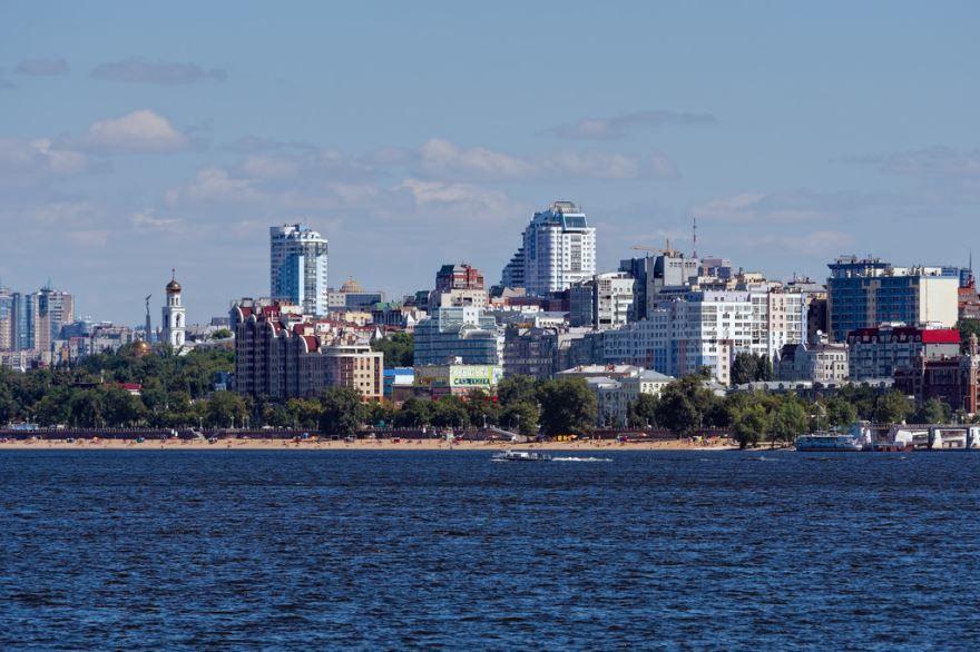 Красивый вид со стороны реки Волга город Самара