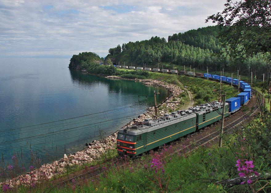 Скачать онлайн бесплатно красивую природу около города Красноярск в хорошем качестве