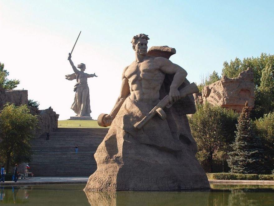 Знаменитые Памятники Волгограда