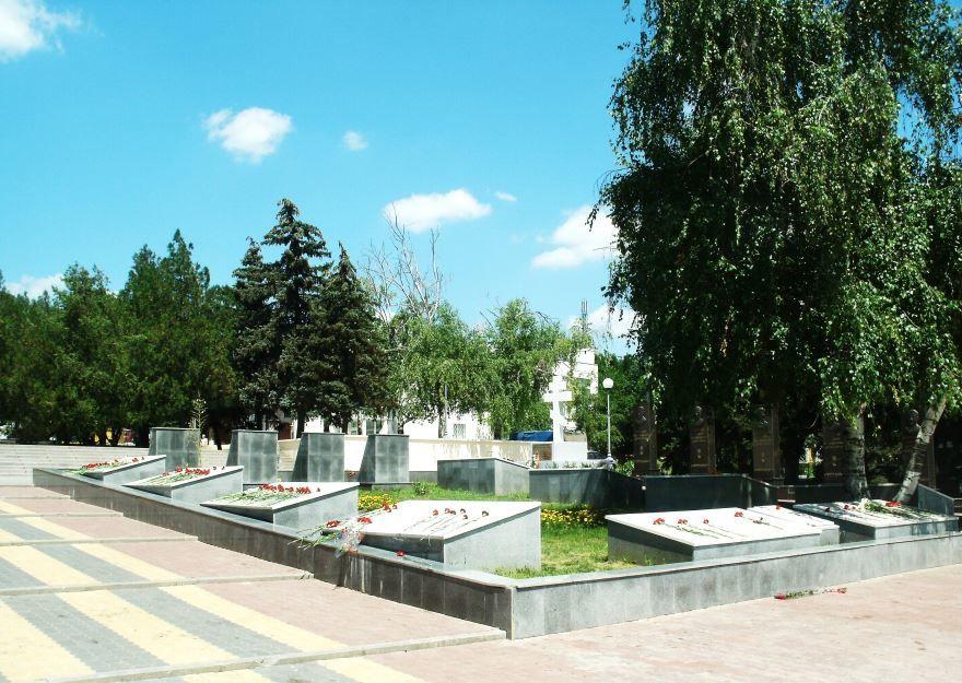 Смотреть лучшее фото города Аксай Площадь Героев в хорошем качестве