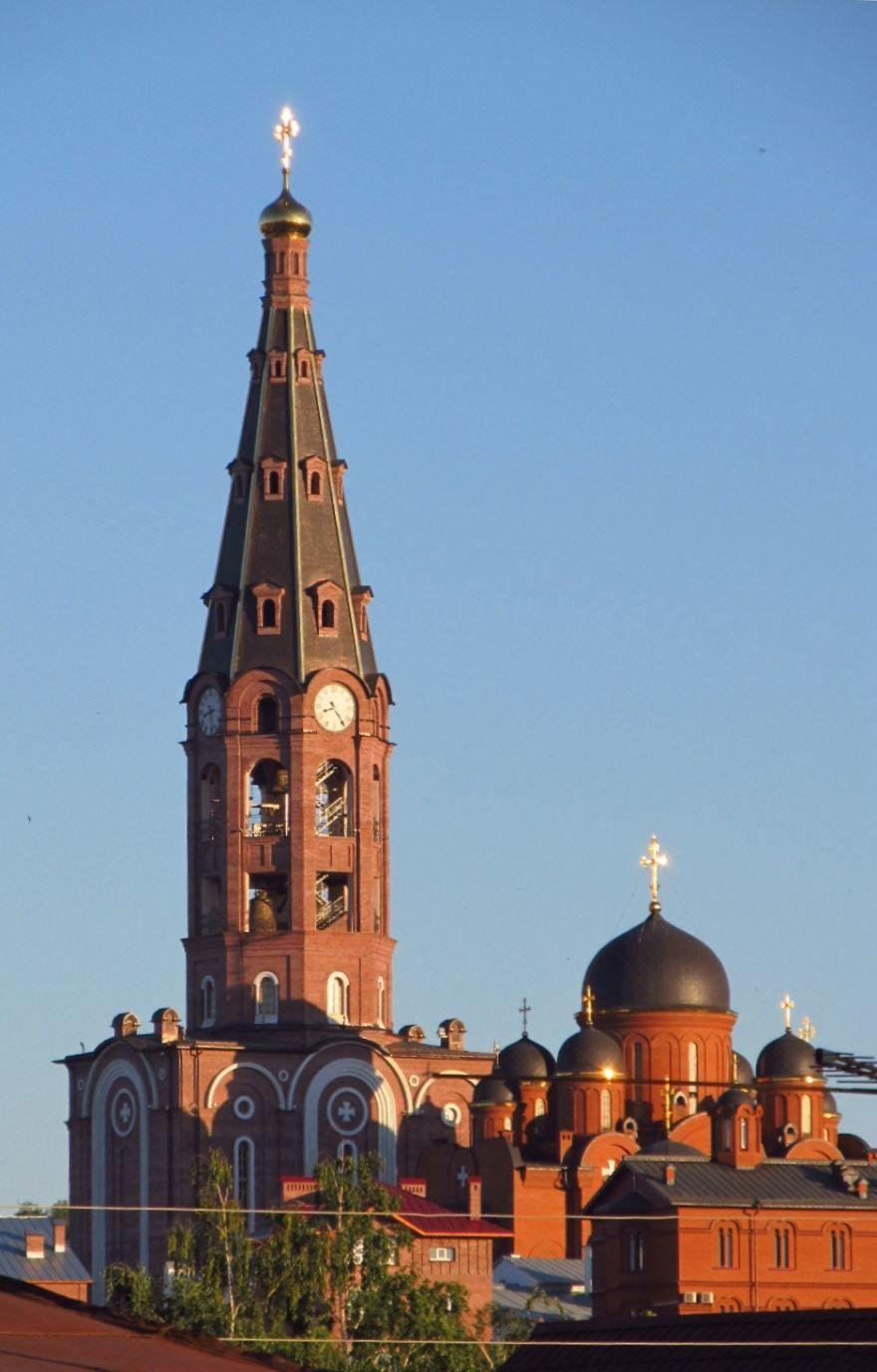 Свято Троицкий монастырь в городе Алатырь