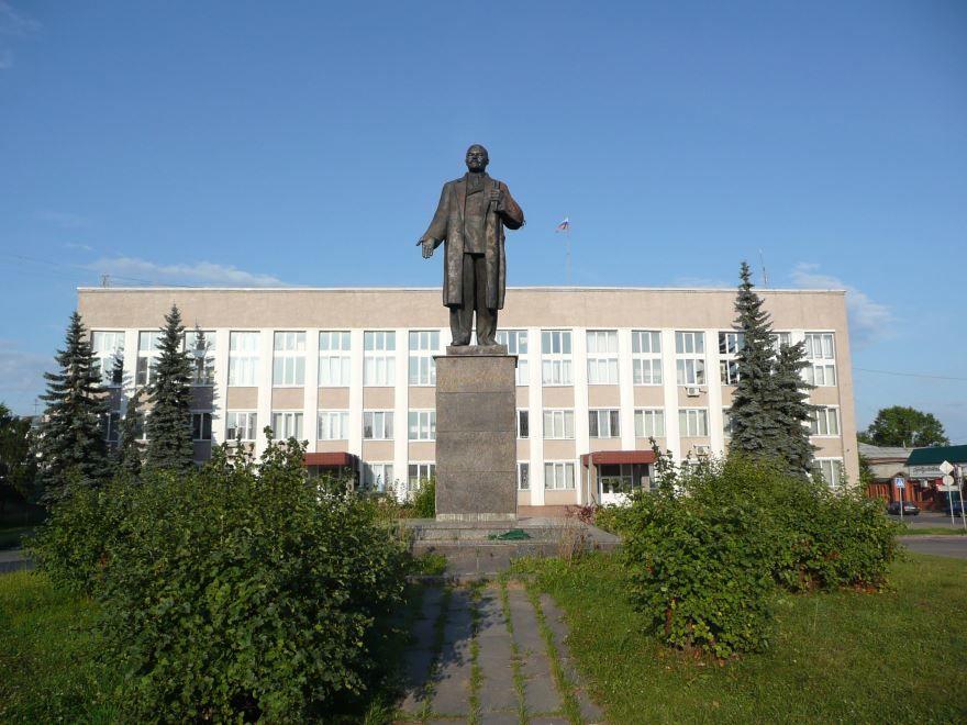Скачать онлайн бесплатно лучшее фото города Александров Памятник В.И. Ленину в хорошем качестве