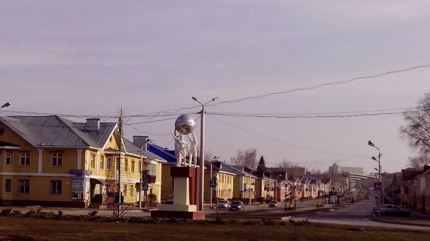 Исторический парадный въезд а город Альметьевск по улице Чехова