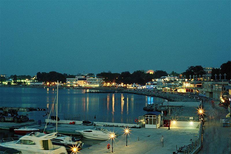 Смотреть лучшее вечернее фото города Анапа бесплатно