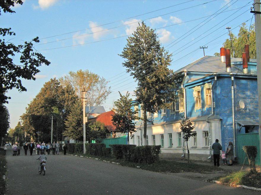 Скачать онлайн бесплатно фото города Арзамас с красивой старинной архитектурой