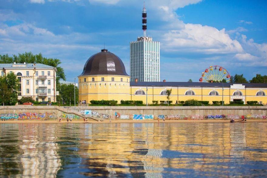 Смотреть красивое фото вид с реки город Архангельск
