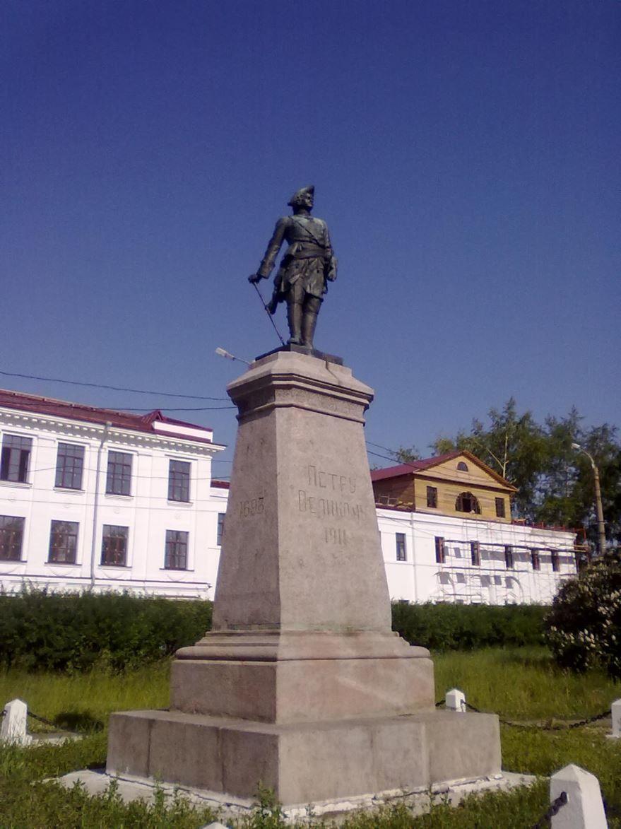 Памятник Петру первому город Архангельск