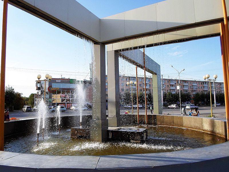 Центральный фонтан на улице Кравченко город Ачинск
