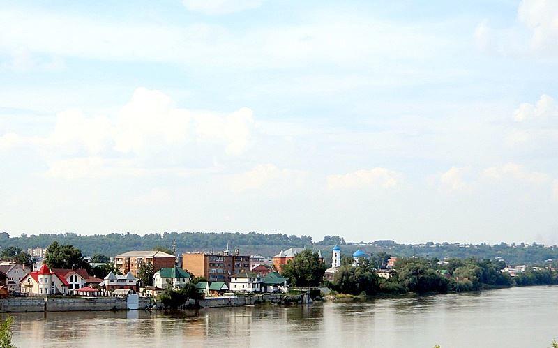 Смотреть красивое фото вид на исторический центр с левого берега реки Бии город Бийск