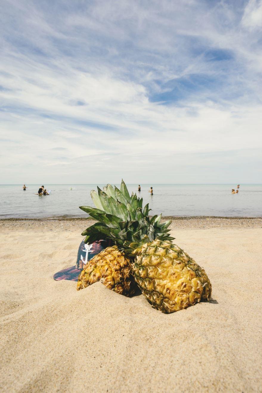 Классическое фото фрукта ананаса бесплатно