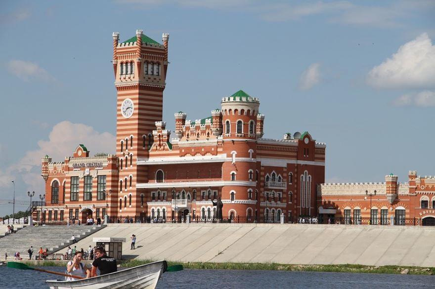 Скачать онлайн бесплатно красивую архитектуру города Йошкар ола в хорошем качестве