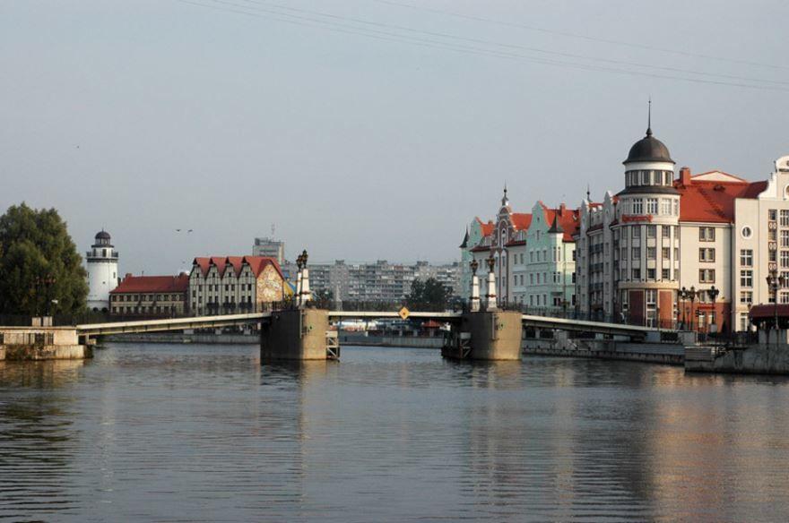 Мост через реку город Калининград