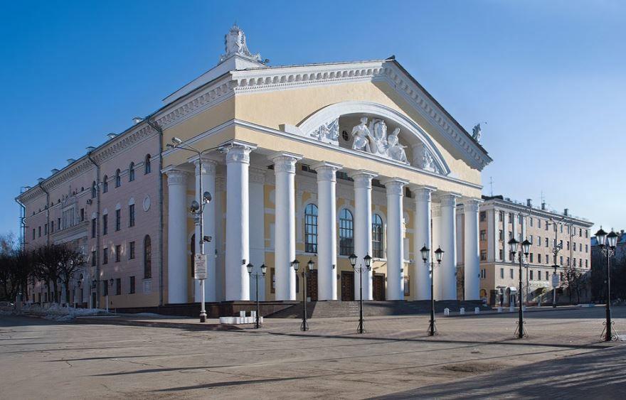 Скачать онлайн бесплатно лучшее фото города Калуга Государственный драматический театр город Калуга