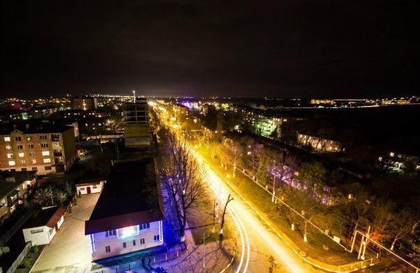 Смотреть красивое фото ночной город Карабулак