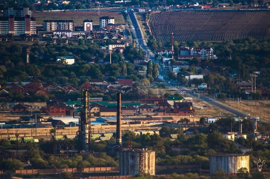 Смотреть фото красивый вид города Карабулак бесплатно