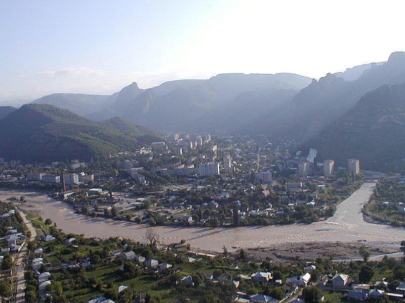Смотреть красивый вид города Карачаевска в хорошем качестве