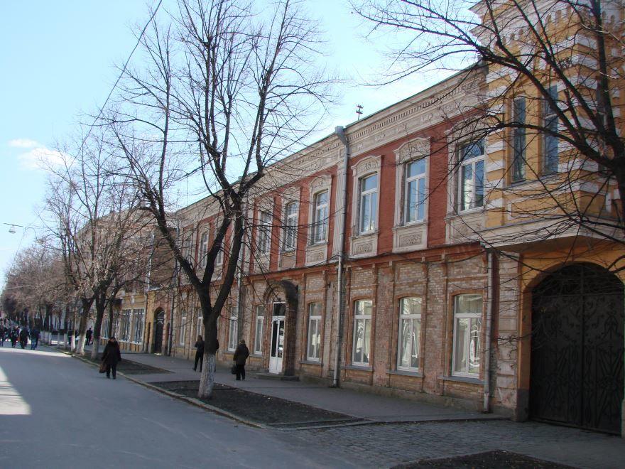 Смотреть лучшее фото Дворцовая улица город Кировград