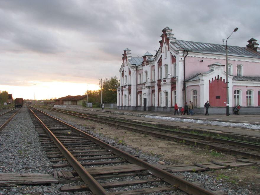 Скачать онлайн бесплатно фото Железнодорожного вокзала город Кинешма в хорошем качестве