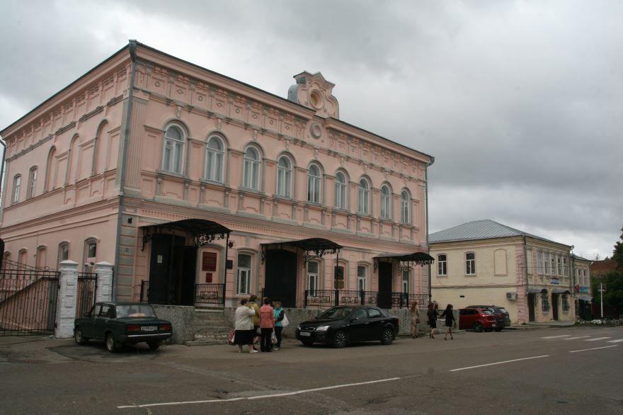 Смотреть красивое фото Дом Пономарева город Космодемьянск 2018