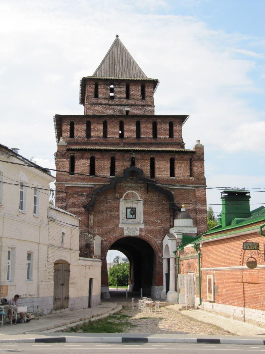 Пятницкие ворота город Коломна