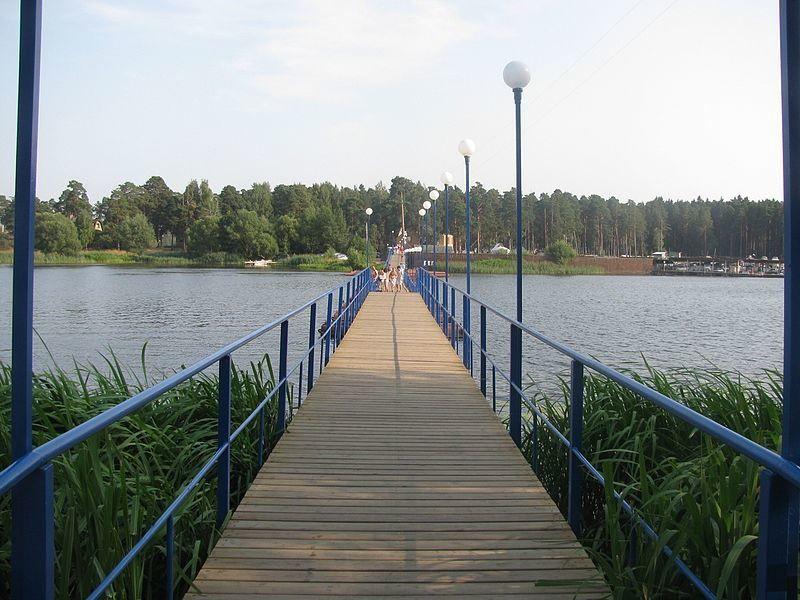 Понтонный мост через реку Донховку город Конаково