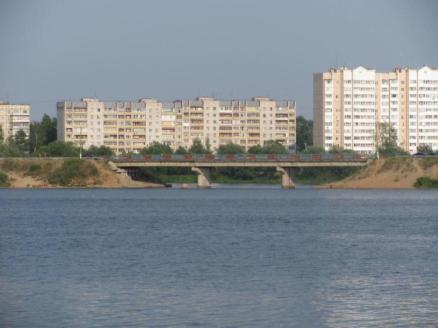 Смотреть красивое фото железобетонный мост через реку Донховку город Конаково в хорошем качестве