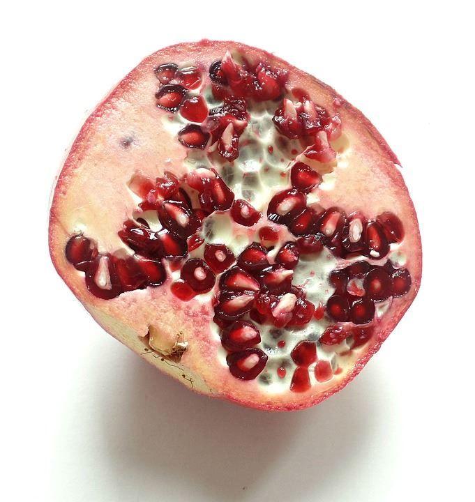 Фото фрукта граната с полезными свойствами