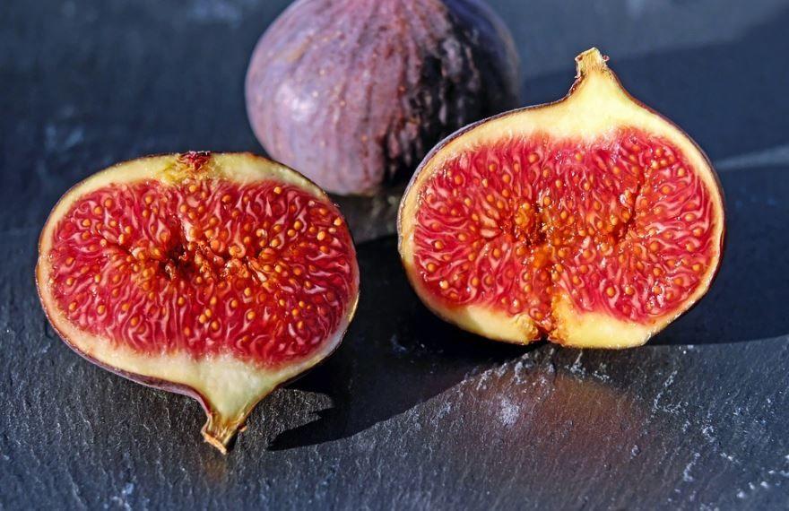 Скачать фото полезных ягод – инжира