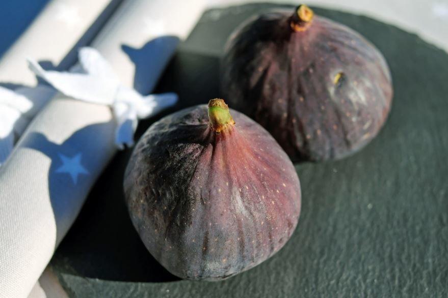 Смотреть фото инжира, ягод с полезными свойствами