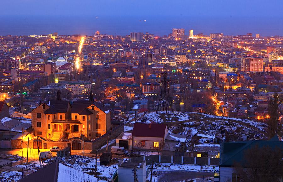 Скачать бесплатно лучшее фото ночного города Махачкала 2019
