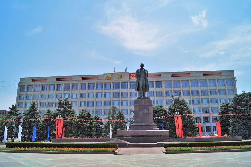 Памятник Ленину город Махачкала