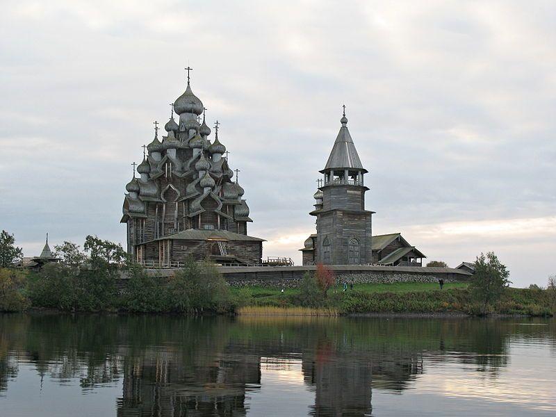 Преображенская церковь деревянная 1714 года город Медвежьегорск