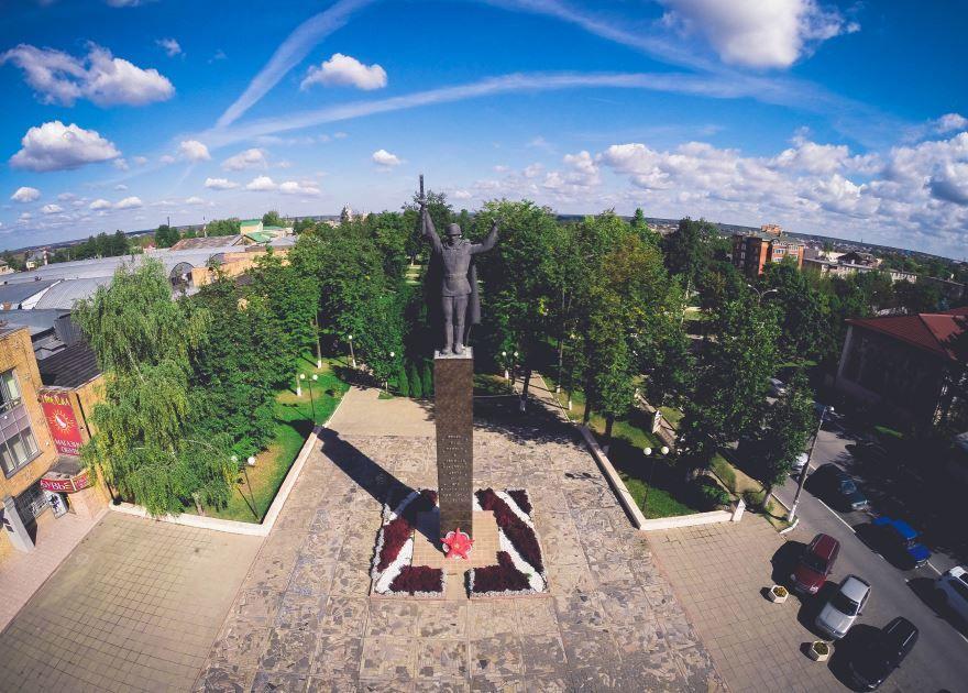 Скачать онлайн бесплатно лучшее фото Памятник воину-освободителю город Можайск