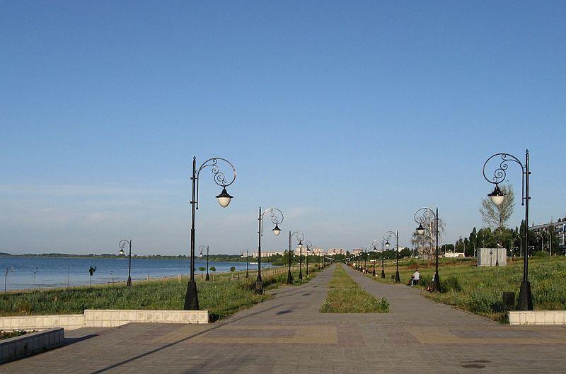 Смотреть красивое фото Набережная Курского водохранилища город Курчатов