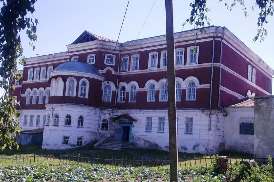 Здание школы город Краснослободск