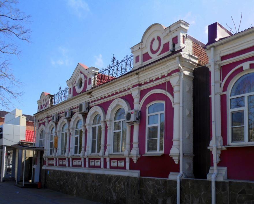 Старинный жилой дом город Кропоткин