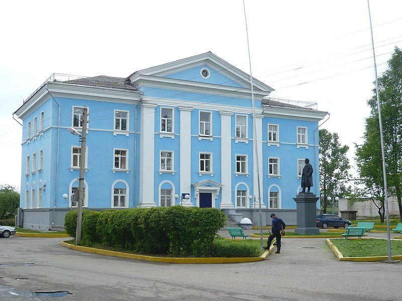 Здание фабричного управления город Кувшиново