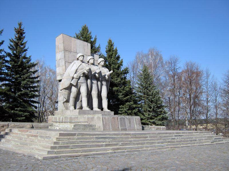 Смотреть лучшее фото На Холме Славы город Кузнецк