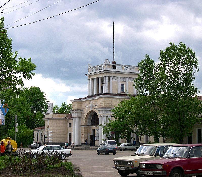 Железнодорожный вокзал город Луга
