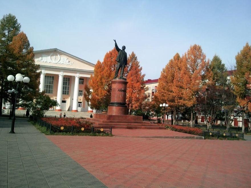 Памятник Ленину город Лениногорск