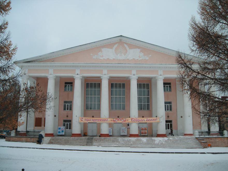 Смотреть красивое здание Дворец культуры город Лениногорск 2018