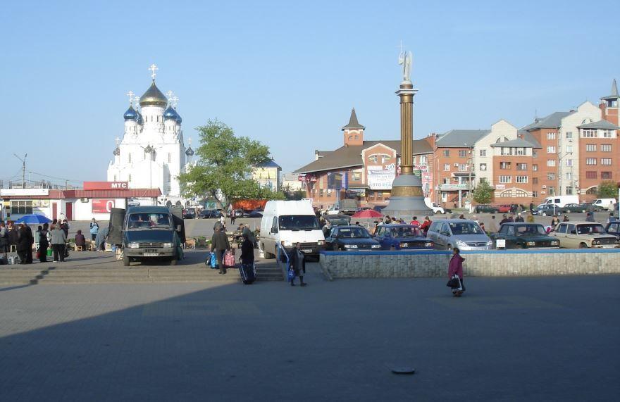 Вид на Собор с площади железнодорожного вокзала