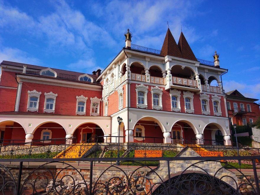 Смотреть лучшее фото с красивой архитектурой город Мышкин