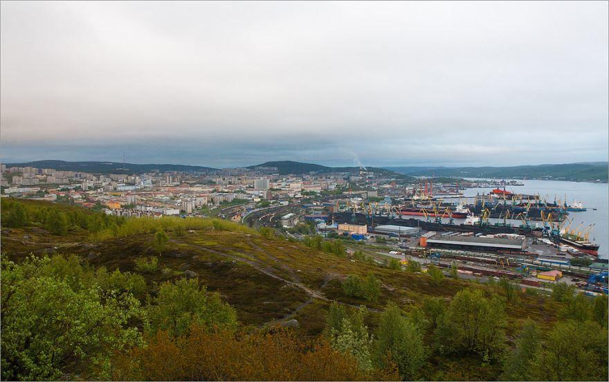 Скачать онлайн бесплатно красивый вид сверху город Мурманск 2019 в хорошем качестве