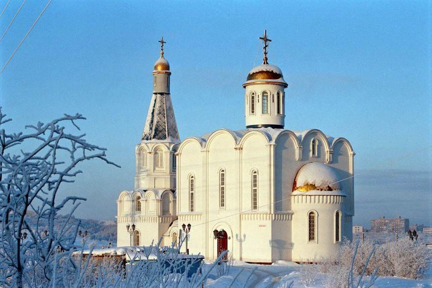 Морской Православный Храм Спас-на водах город Мурманск