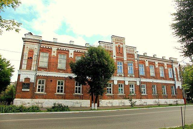Смотреть красивое фото с красивой архитектурой училище города Муром