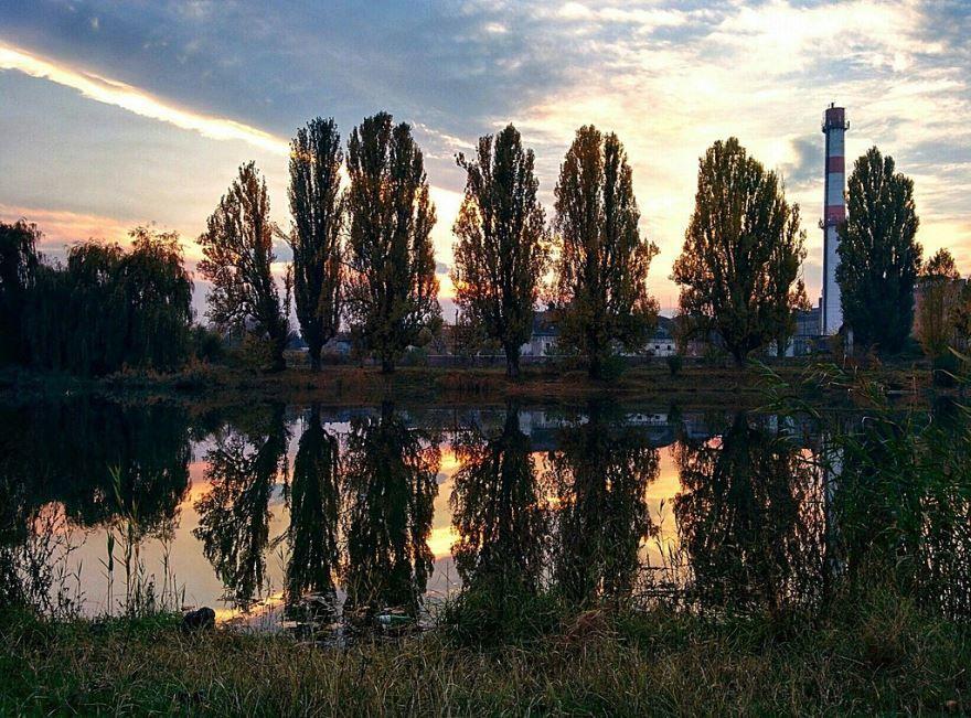 Озеро в пригороде города Наткала