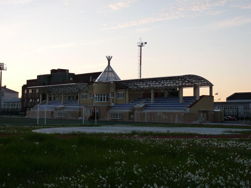 Скачать онлайн бесплатно красивое фото стадион в городе Нарьян-Мар